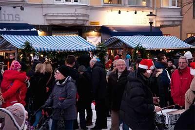 Foto från Skyltsöndag och Julmarknad
