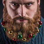 julpynt och julgranskulor för skägget
